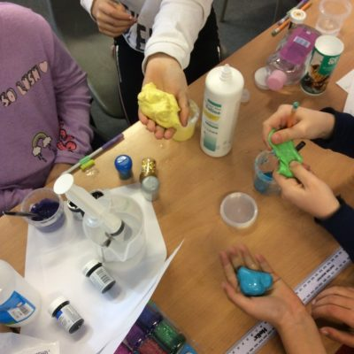 Which ingredients make the best slime?